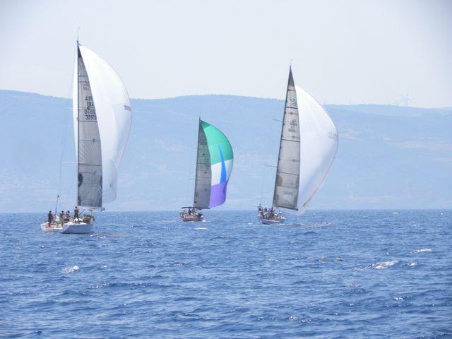 racing-downwind